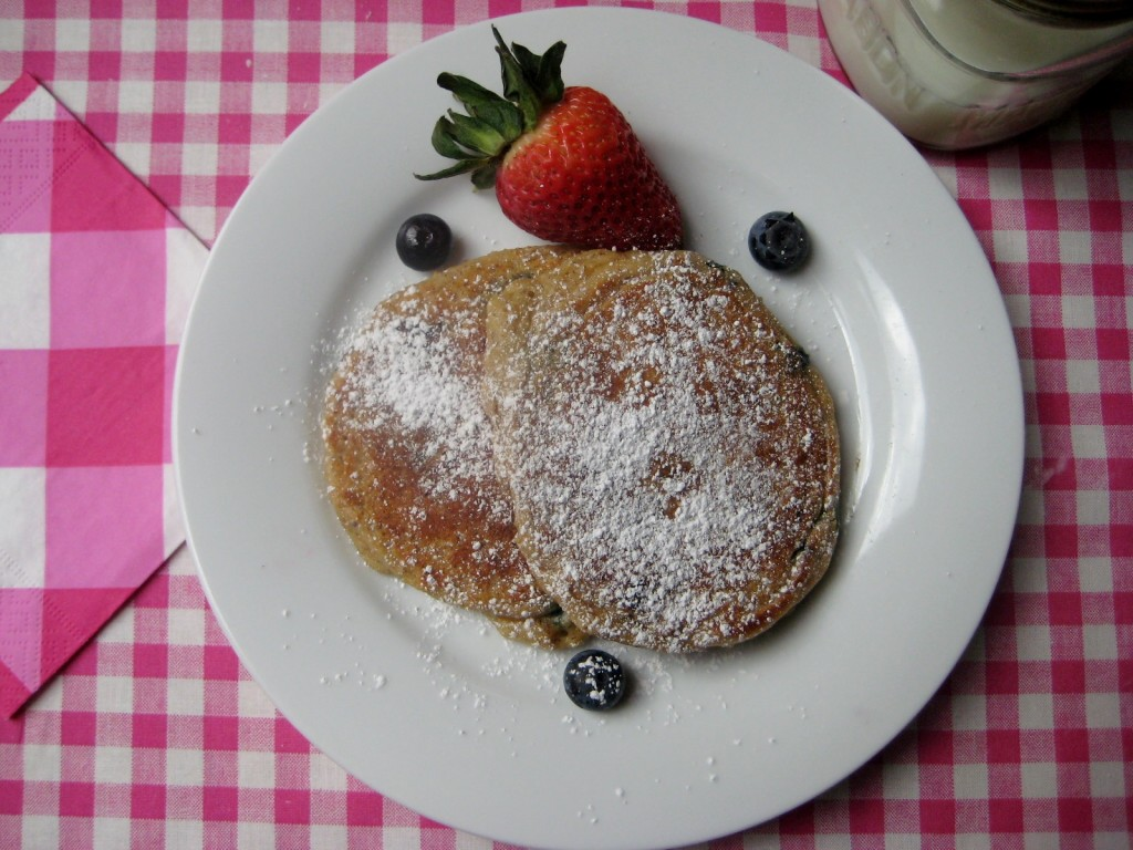 Blueberry-yogurt-protein-pancakes