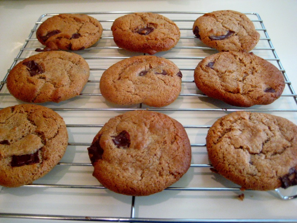 almond-butter-dark-chocolate-chip-cookies