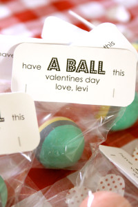 candy-free-Valentine-have-a-ball