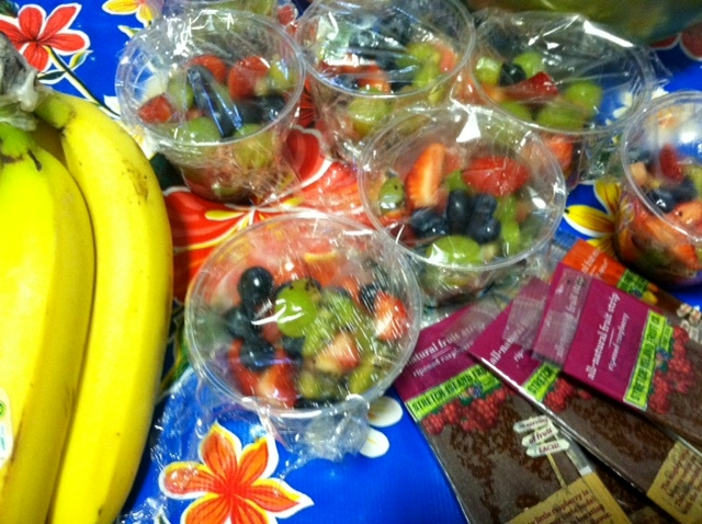 healthy-hockey-concession-fruit-cups